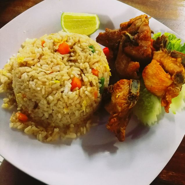 Fried Rice Fried Chicken Halal - Neola Muhambi - Phnom Penh, Cambodia